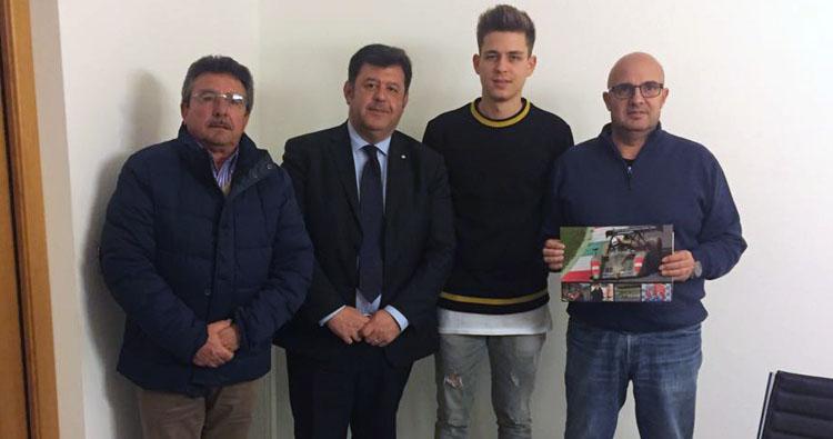 Imprenditori locali credono nel progetto del pilota ennese Simone Patrinicola