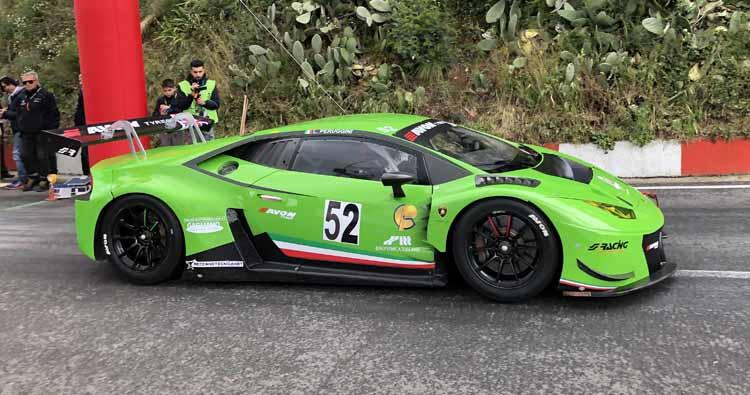 Esordio vincente per Peruggini con Lamborghini Huracan Gt3  Avon Tyres