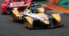 Danny Molinaro in attacco nel Tricolore Prototipi a Vallelunga