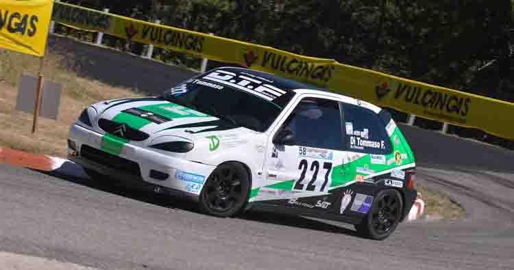 AC Racing ad Ascoli rinsalda la vetta