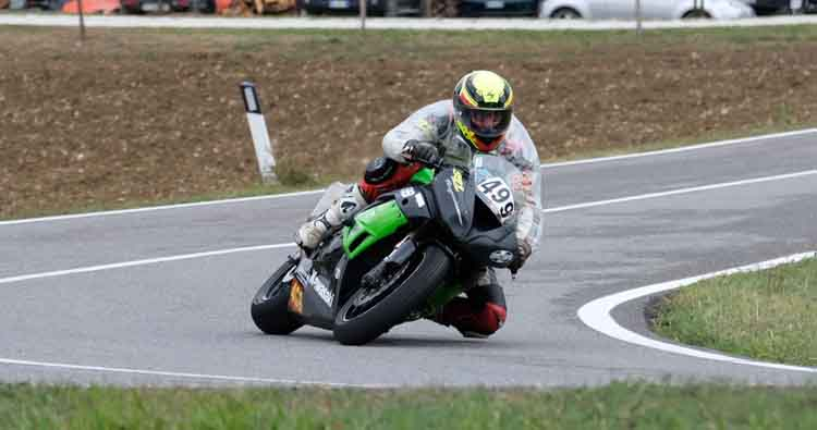 Lotta serrata lo scorso weekend sui tornanti dello Spino per il titolo di campione italiano di motociclismo CIVS in diverse classi