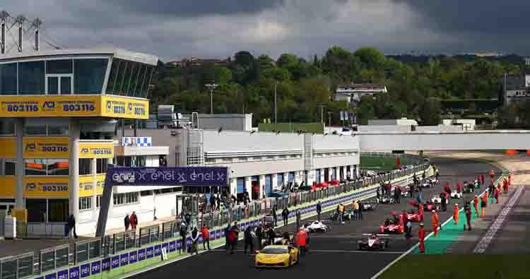 Il Campionato Italiano Sport Prototipi torna in pista a Vallelunga
