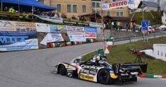 Simone Faggioli arpiona gara 1 a Pedavena