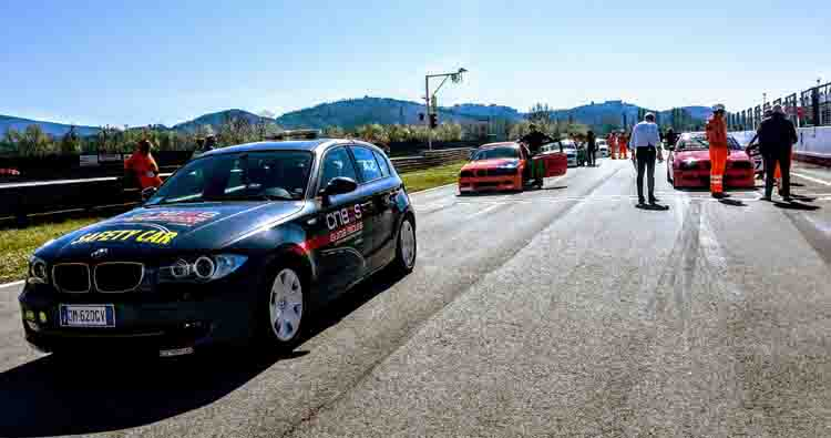 BMW 318 Racing Series, domenica all'Autodromo dell'Umbria si decide il campionato